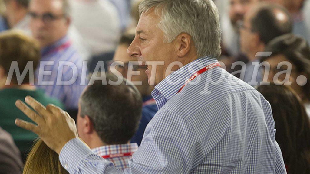 """José Blanco: """"Estaremos muertos y Rajoy haciendo los carteles de la campaña electoral"""""""