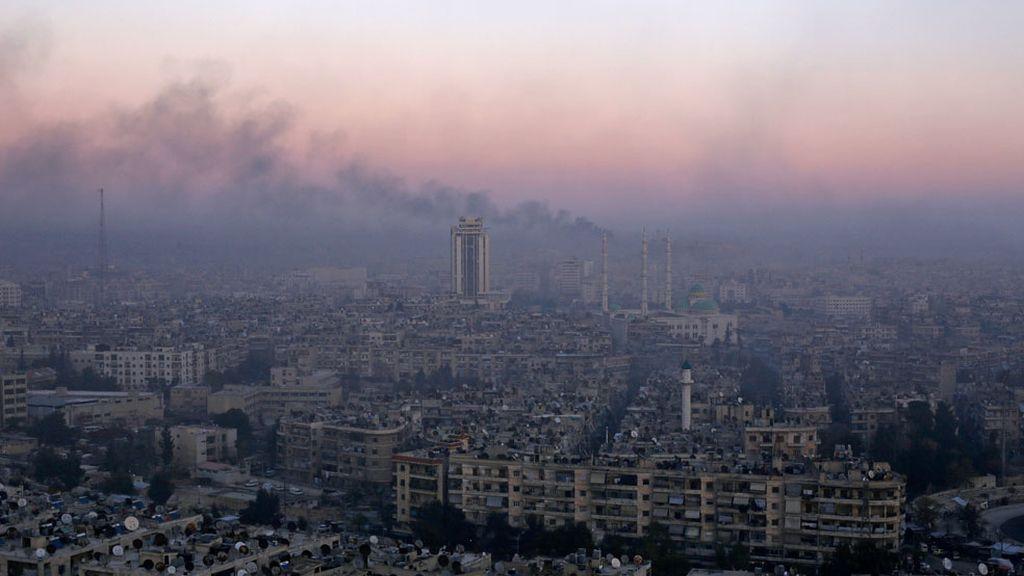 Alepo, la capital de la provincia de Siria destruida por las bombas
