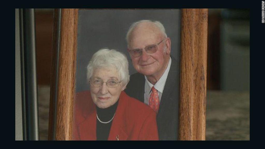 Mueren con minutos de diferencia tras pasar 63 años casados