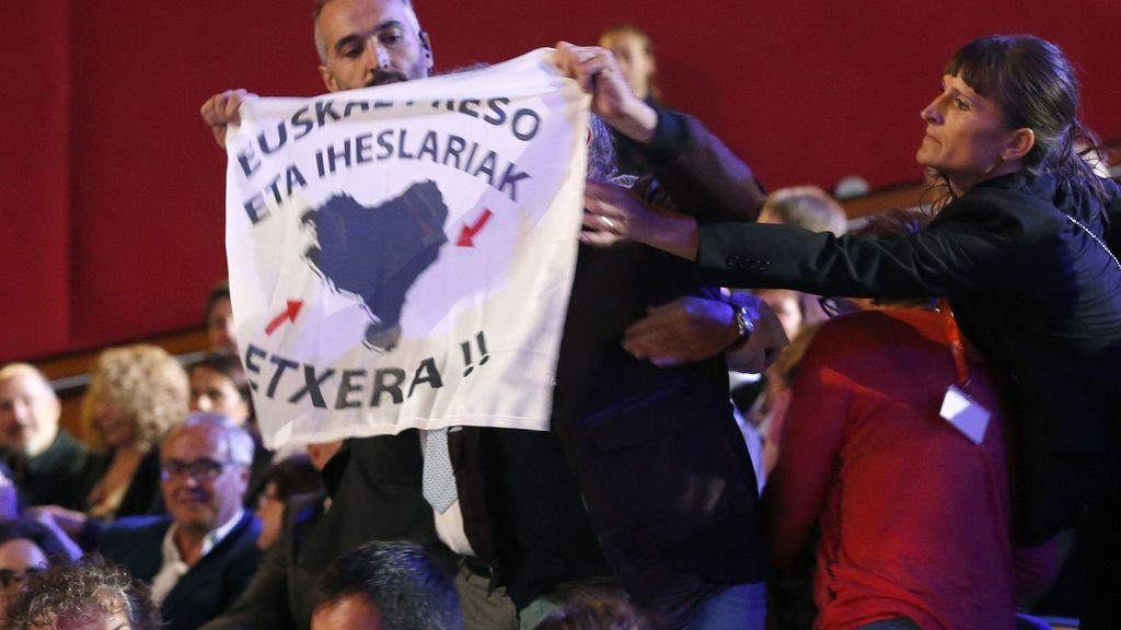 Interrumpen la gala del Festival de San Sebastian por los presos enfermos de ETA