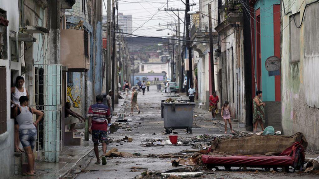 Las intensas lluvias asolan La Habana