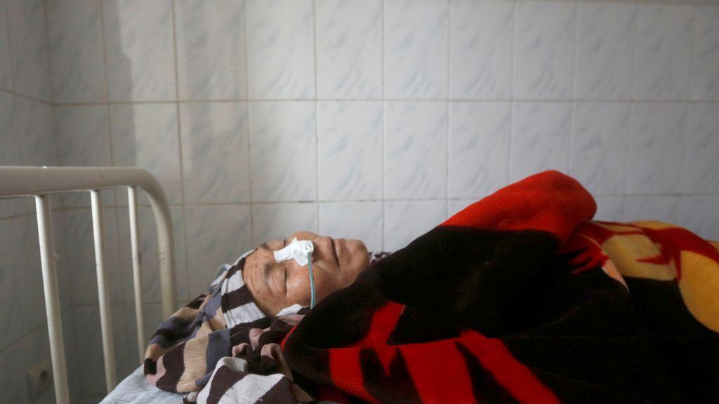 Una mujer herida en un atantado en Kabul