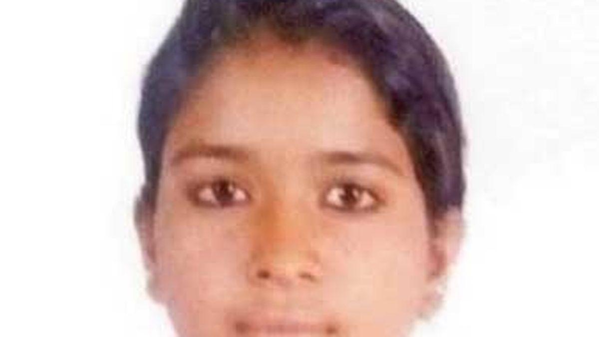Pooja, una niña india de 15 años que se suicida porque su madre no le dio siete euros para ir a una fiesta