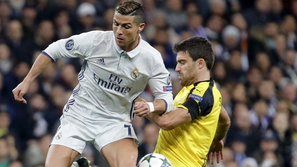 Un doblete de Benzema no le basta al Madrid