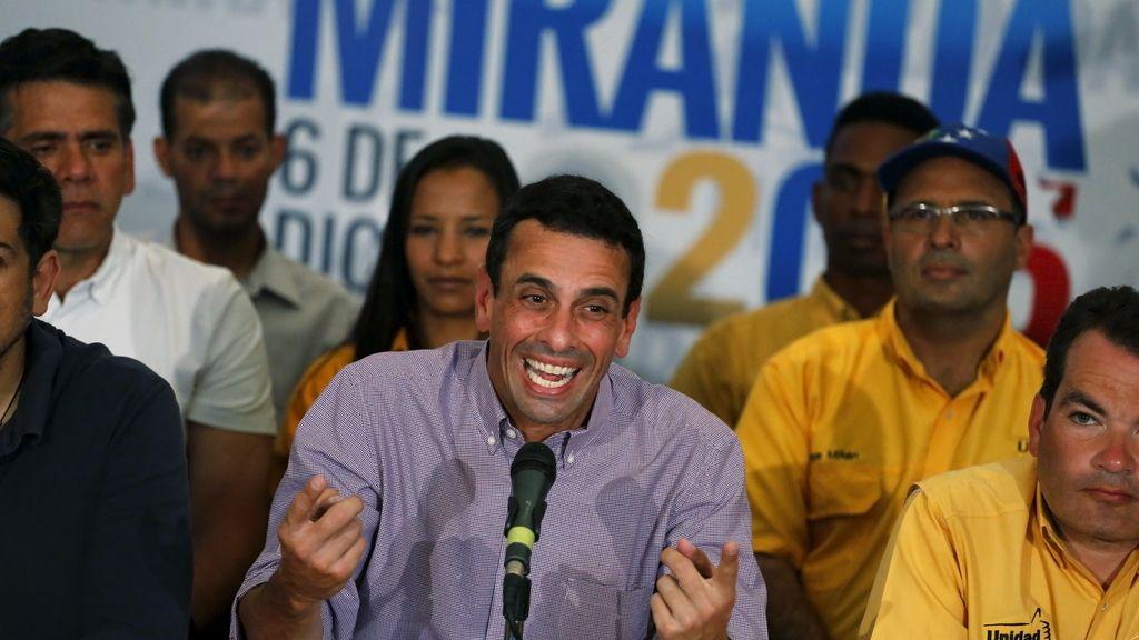 Henrique Capriles en rueda de prensa