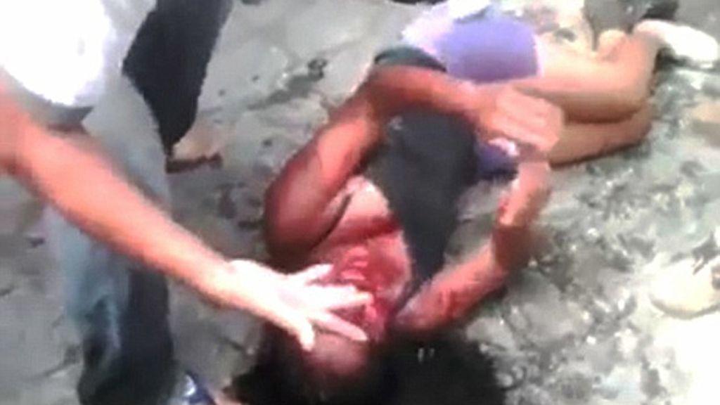 Una turba de gente quema viva a una joven en un pueblo de Guatemala