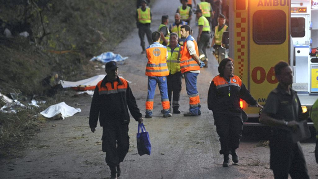 Mueren seis personas arrolladas por un coche en un rally en A Coruña