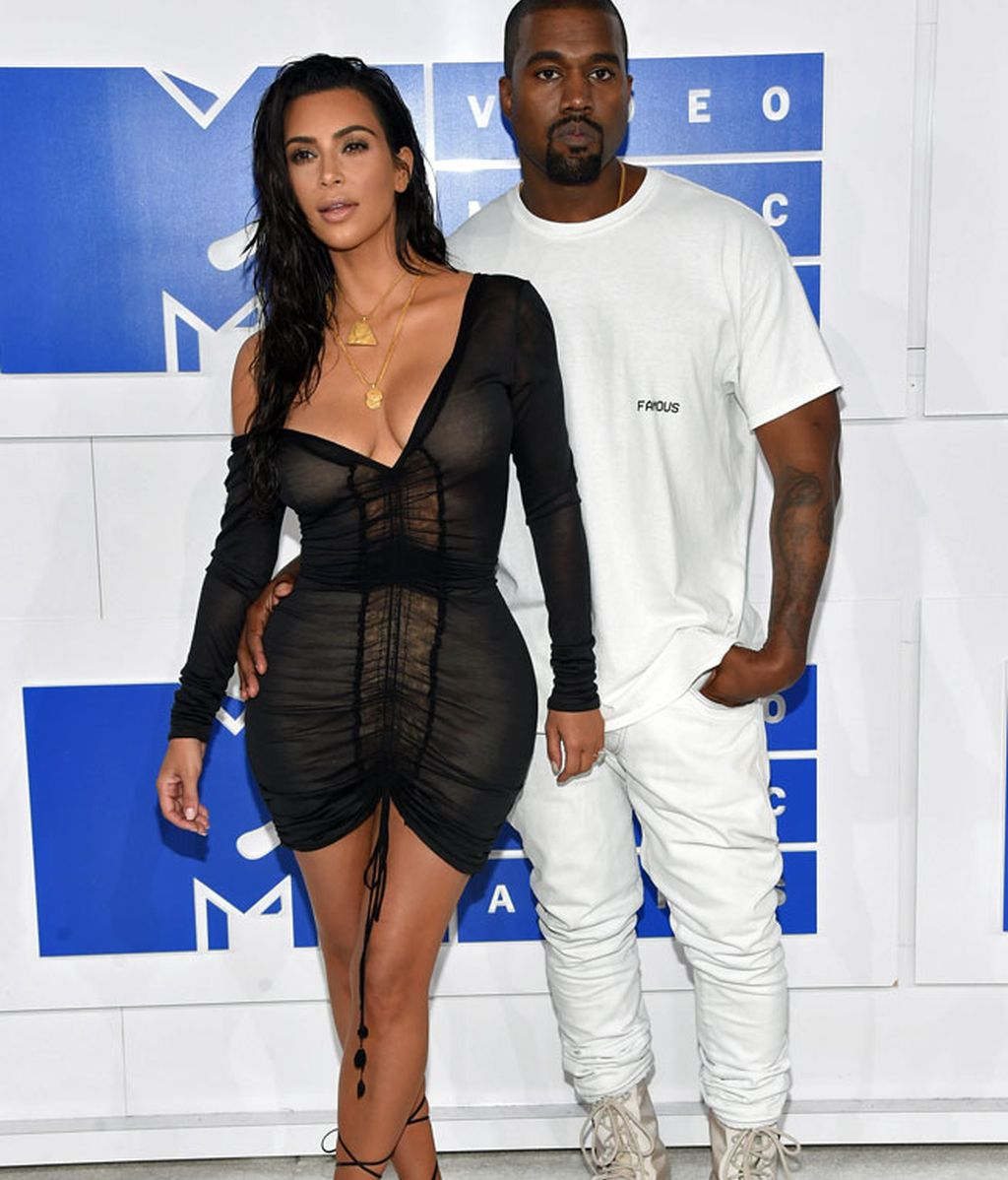 Kim Kardashian y Kanye West en los 'MTV MVA' en Madison Square