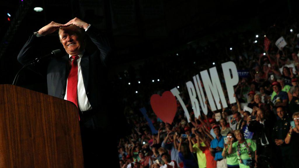 Donald Trump continúa su campaña por Florida