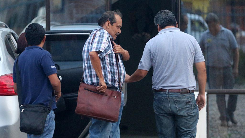 Bolivia detiene al principal gerente de la aerolínea LaMia, cuyo avión se estrelló la semana pasada