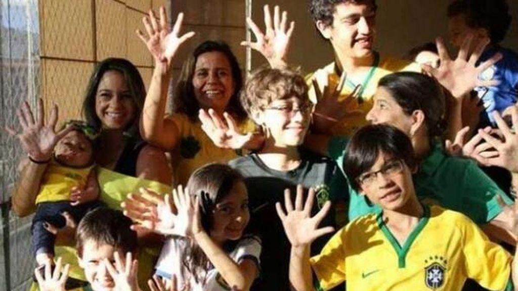 La familia de seis dedos: El talismán para ganar el Mundial