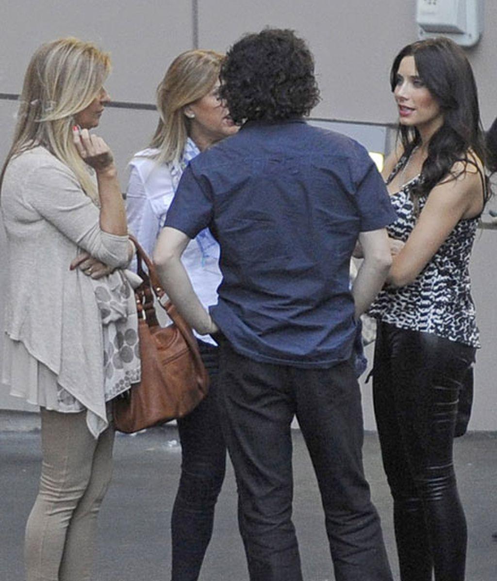 Pilar Rubio, con pantalones de cuero y tacones, en el Santiago Bernabéu