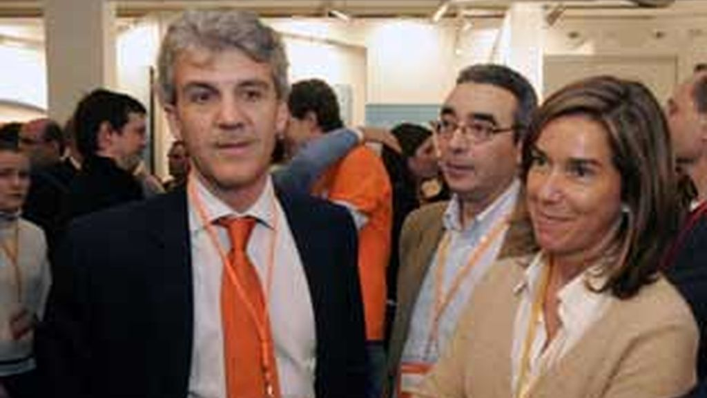 Gerardo Galeote, eurodiputado del PP, junto a Ana Mato, vicepresidenta de Organización del partido, en una imagen de archivo.