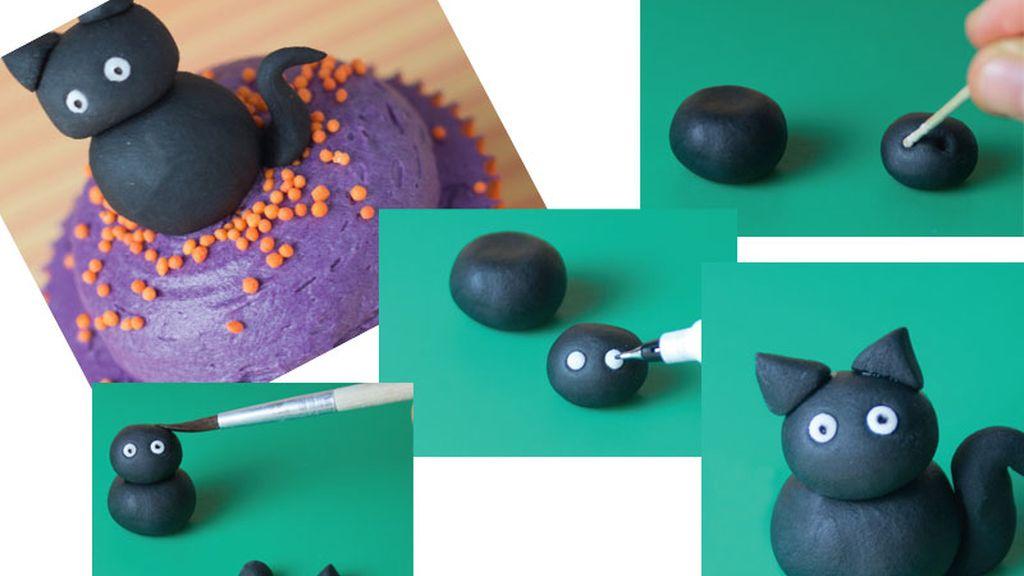 Gatito negro de Halloween