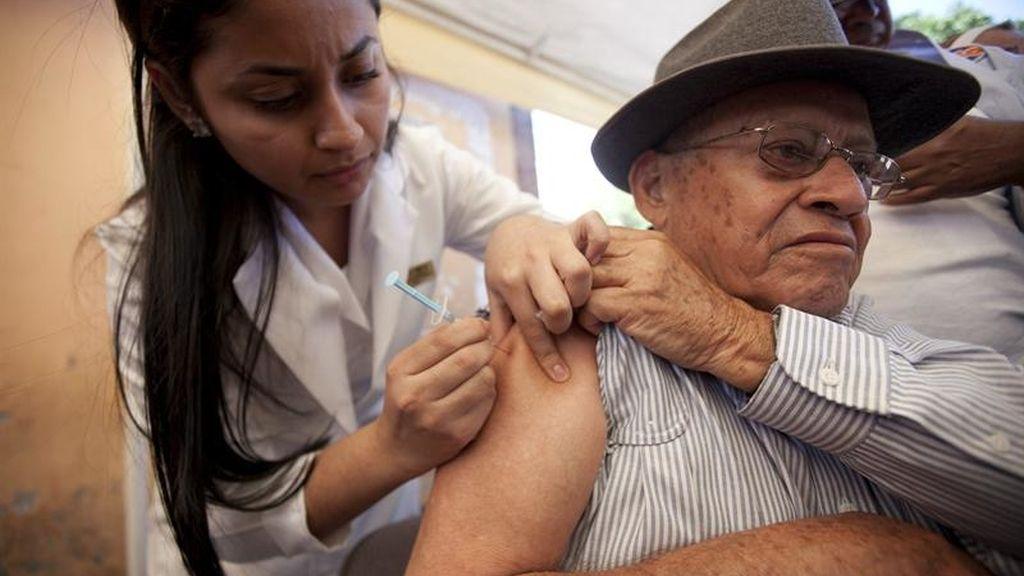 La vacuna contra la gripe reduce un 70% el absentismo laboral