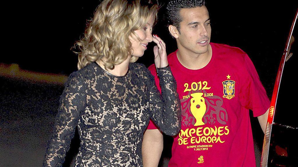 Pedrito y su chica durante la fiesta de la Selección española