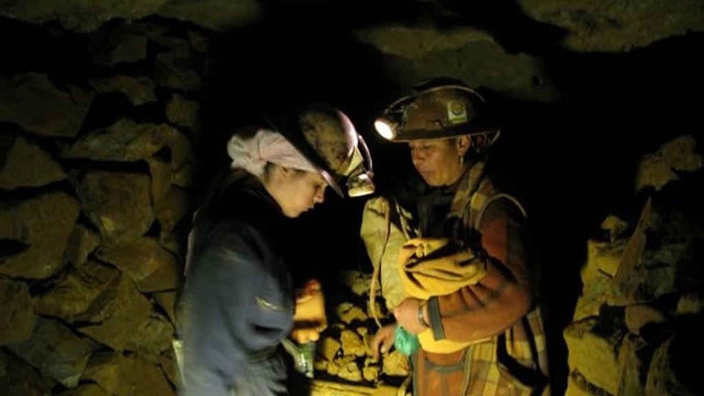 Extrayendo minerales