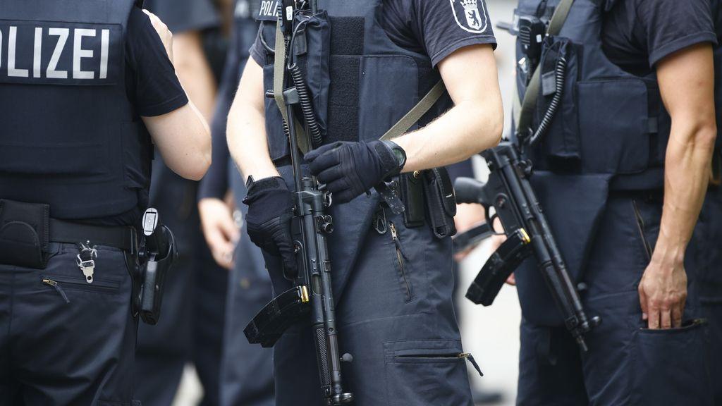 Alemania contempla ordenar la acumulación de comida y agua en caso de ataque al país