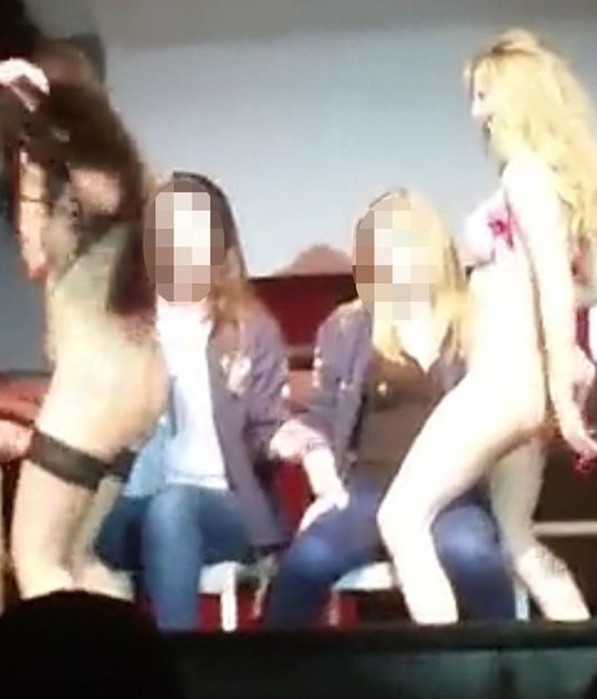Espectáculo erótico en la universidad Harper Adams