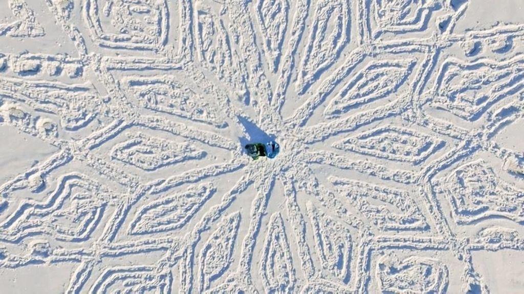 Inmensas obras de arte sobre la nieve