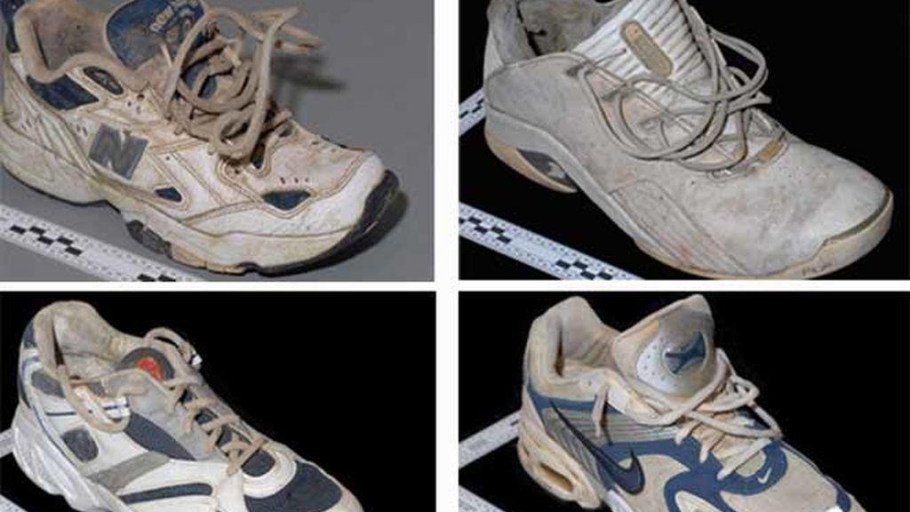 Zapatillas con restos de pie humano