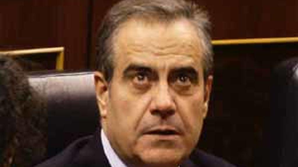 Corbacho promete subir las pensiones por encima del IPC en 2012