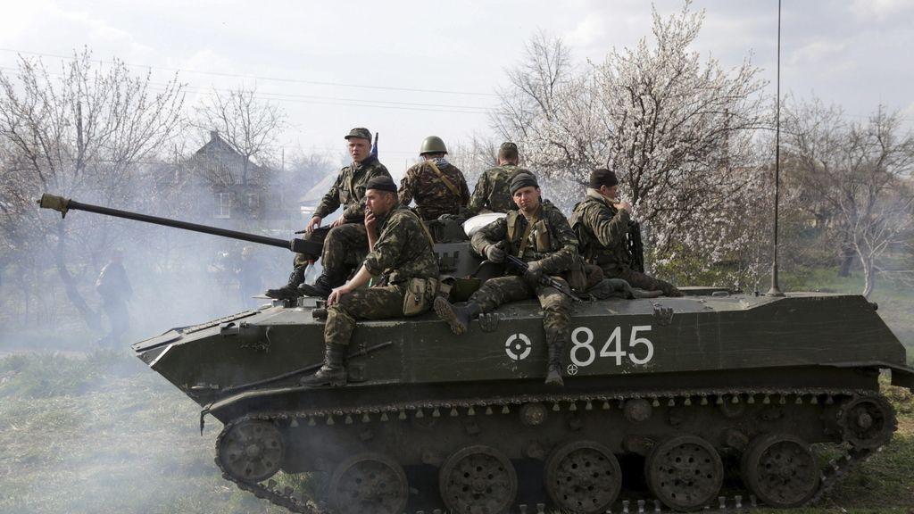 Soldados ucranianos toman posiciones en Kramatorsk