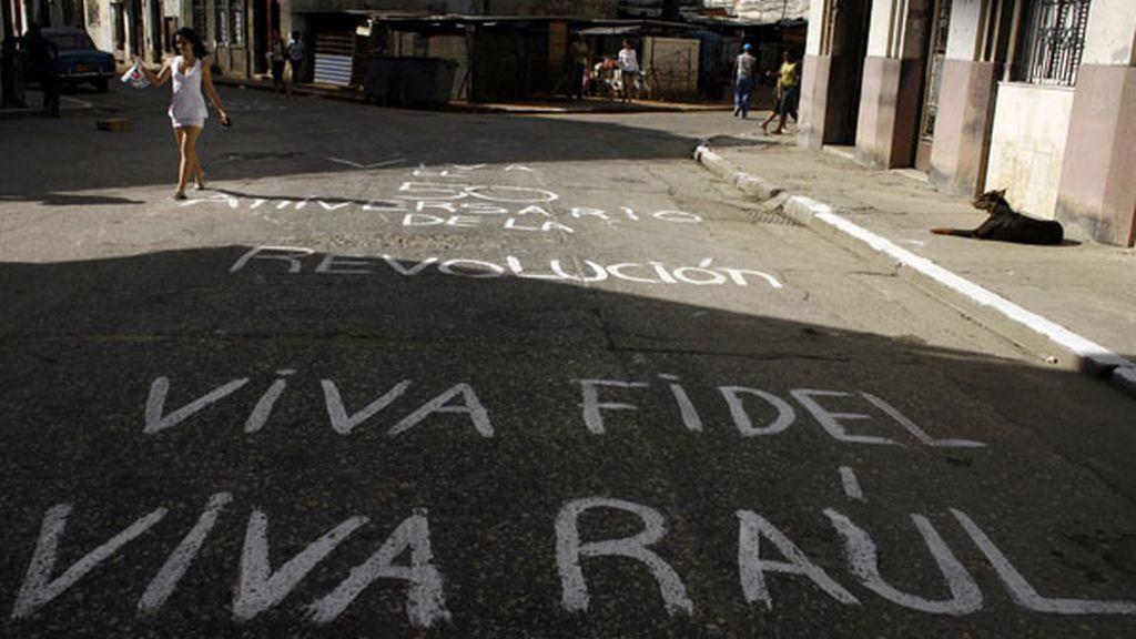 Viva Fidel, Viva Raúl