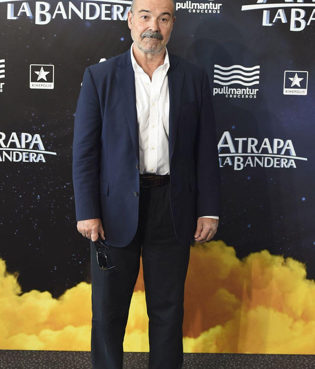 Antonio Resines optó por el traje oscuro