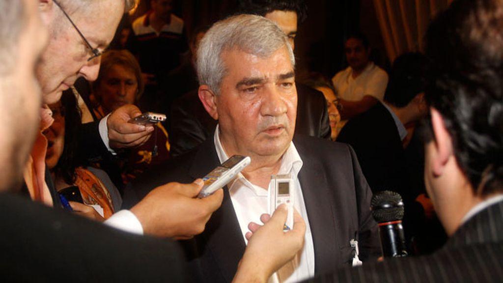 Riad Seif durante la reunión del Consejo Nacional Sirio