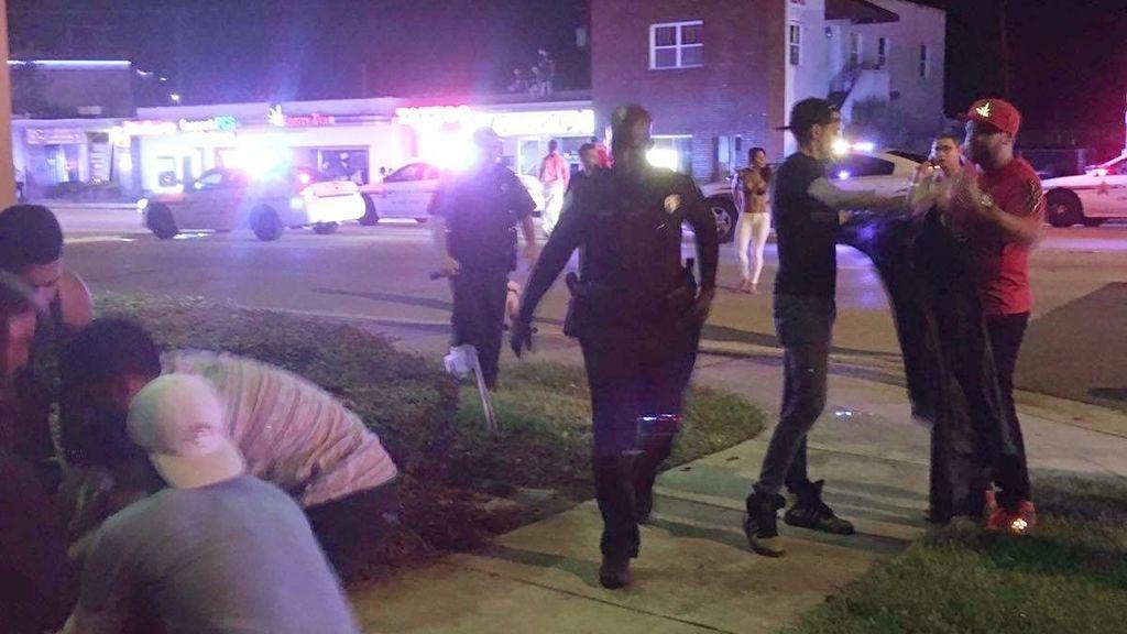 """El agresor del club Pulse de Orlando portaba un """"arma de cañón largo"""""""