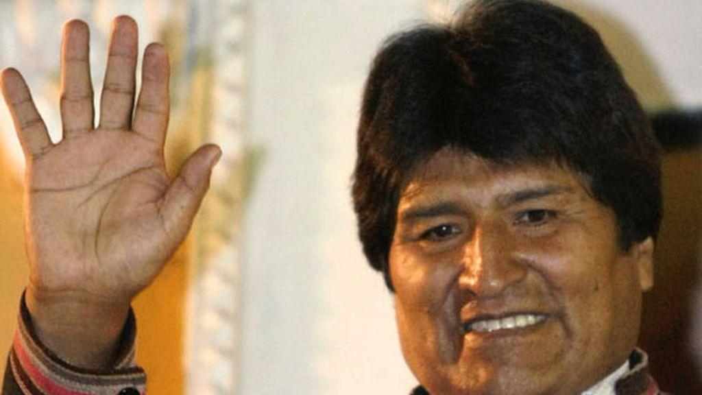 Evo Morales sube los salarios a cuatro colectivos para compensar el incremento del precio de la gasolina