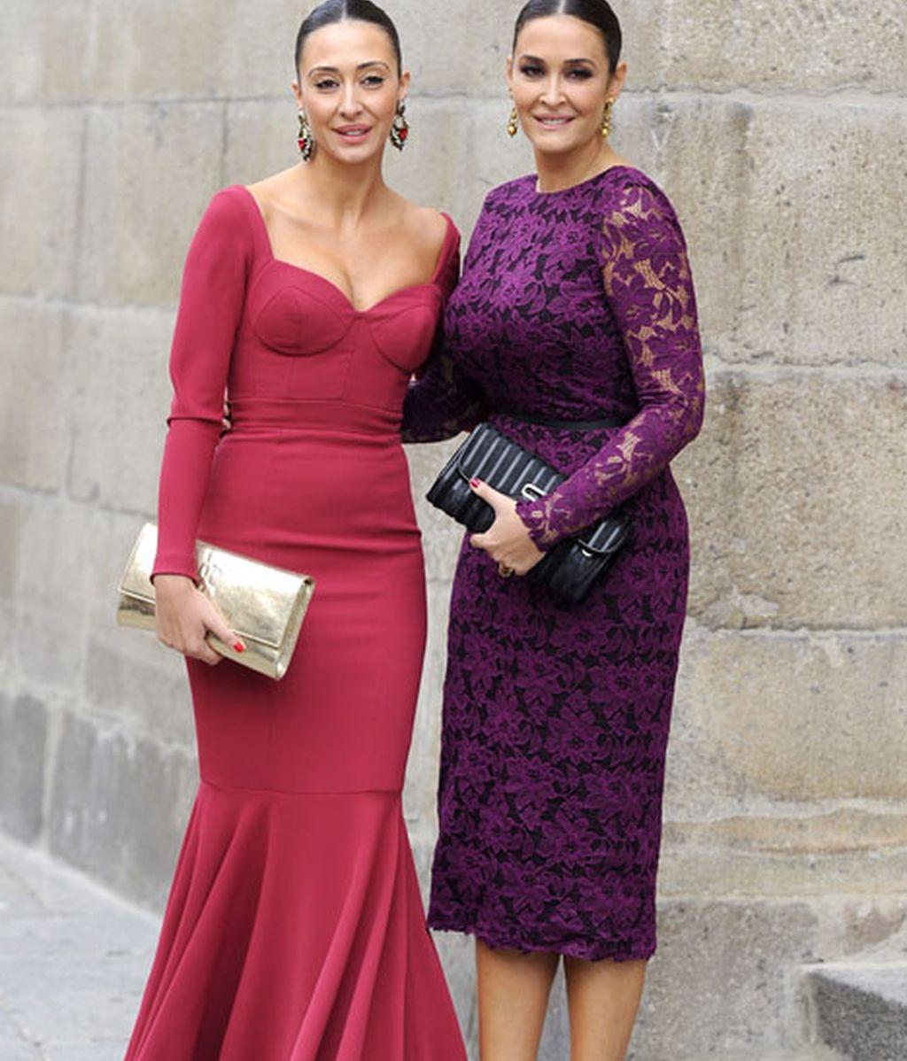 Vicky Martín Berrocal, que diseñó el vestido de la novia, y su hermana Rocío