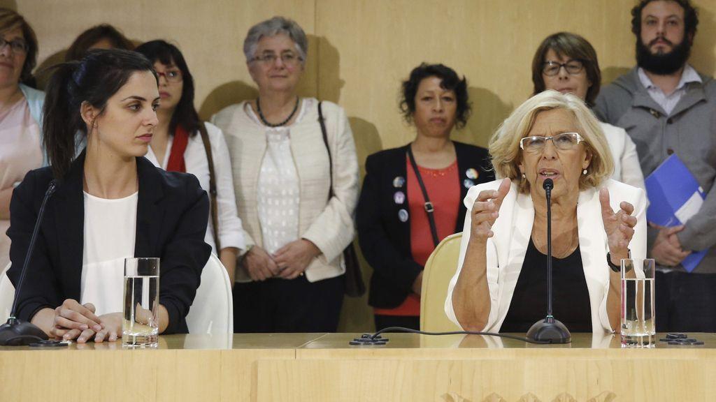 Rita Maestre con Manuela Carmena