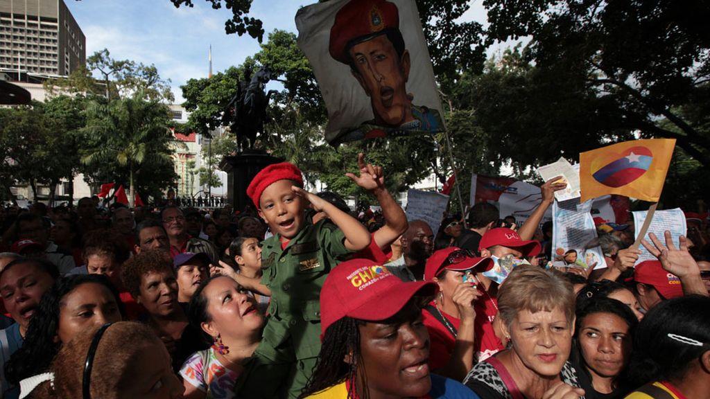 Los venezolanos muestran su apoyo a Hugo Chávez
