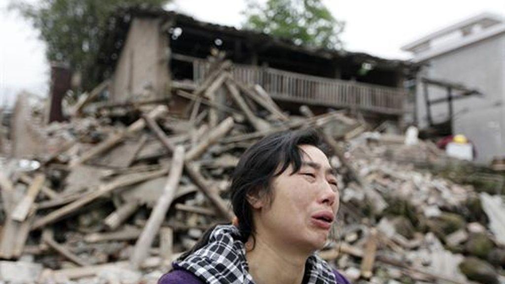 Ya hay más de 203 muertos y 11.500 heridos en Sichuan