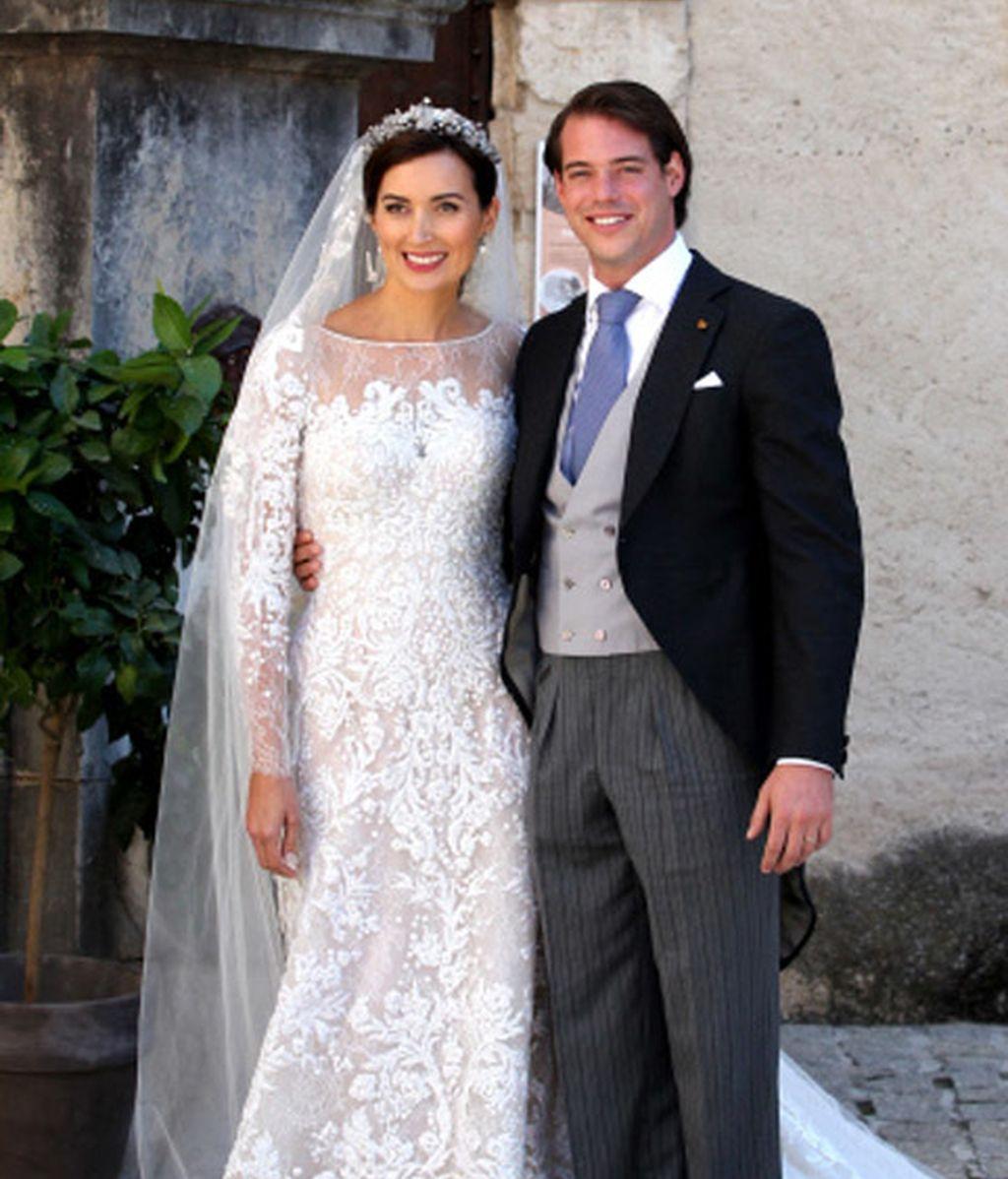 Los novios, Felix de Luxemburgo y Claire Lademacher, emocionados a la salida de la ceremonia