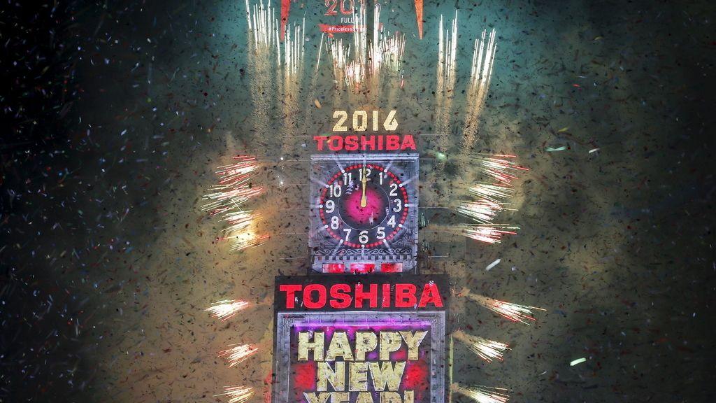 Nueva York recibe 2016 por todo lo alto