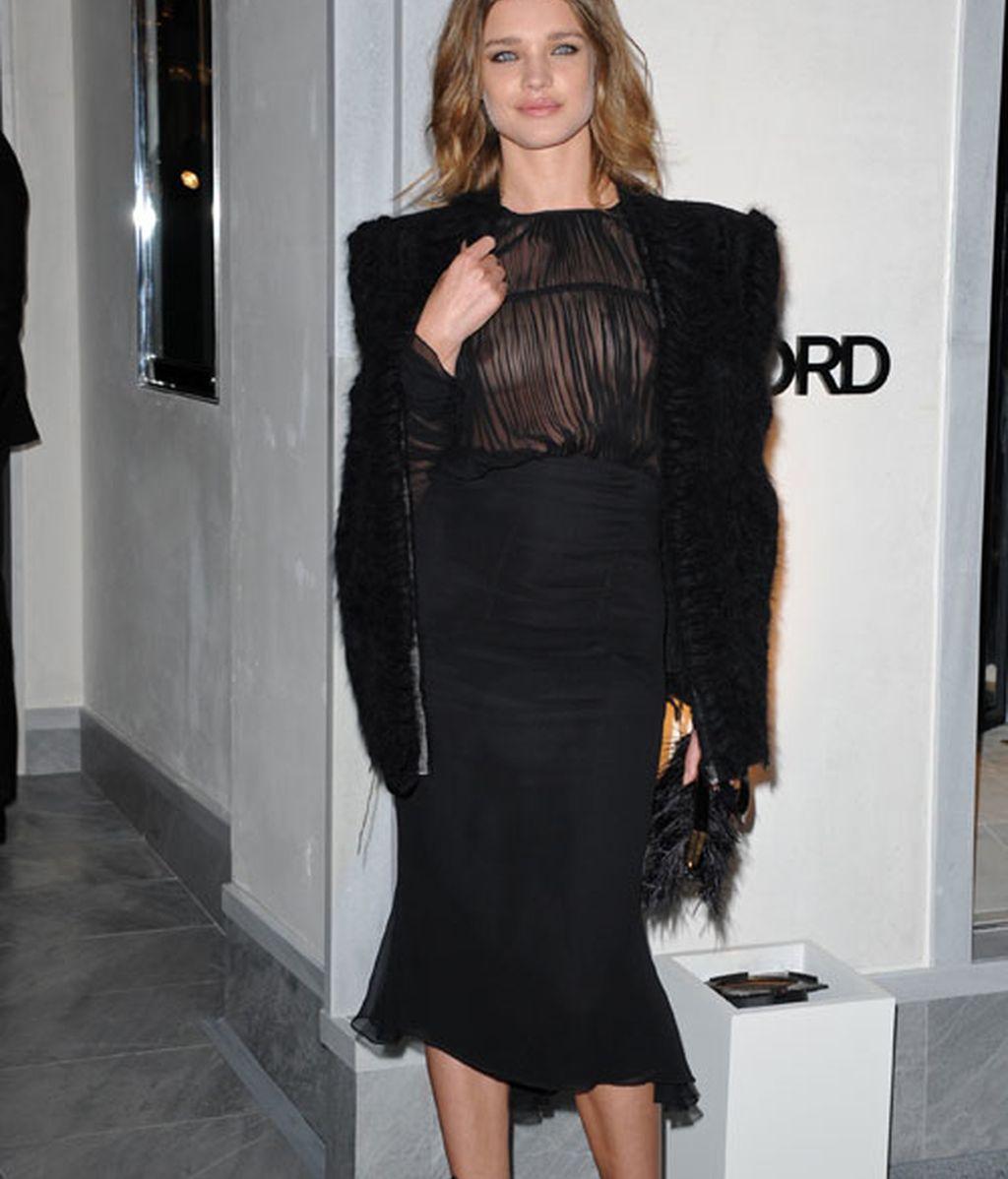 Eva Longoria, brillante en la nueva tienda de Tom Ford