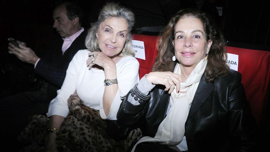 La princesa Beatriz de Orleans junto a su amiga Natalia Escalada