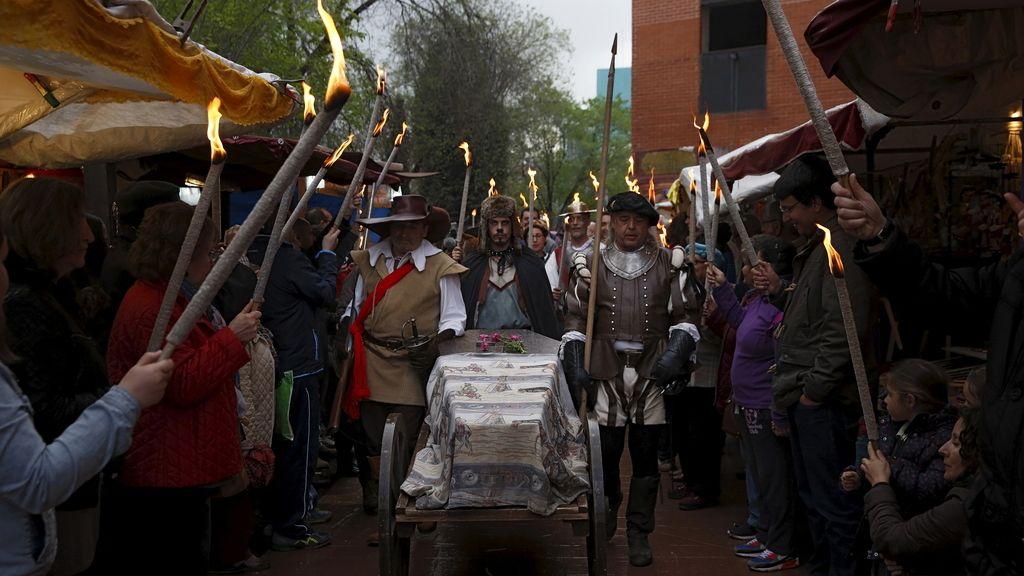 Homenaje a Cervantes en las calles de Alcalá de Henares