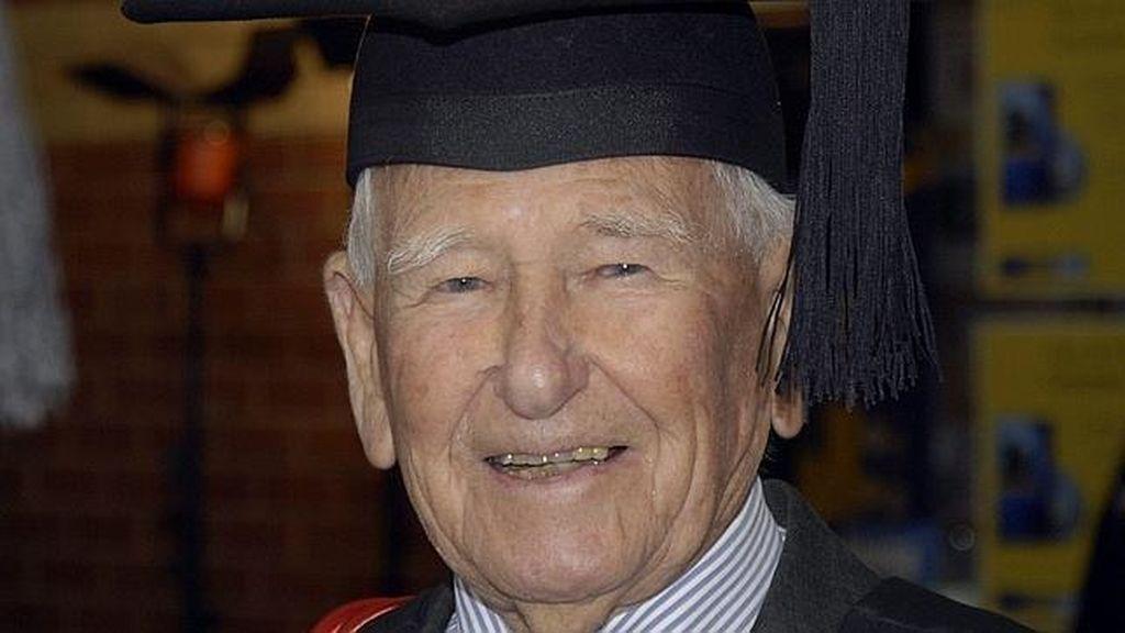 El graduado universitario más viejo del mundo