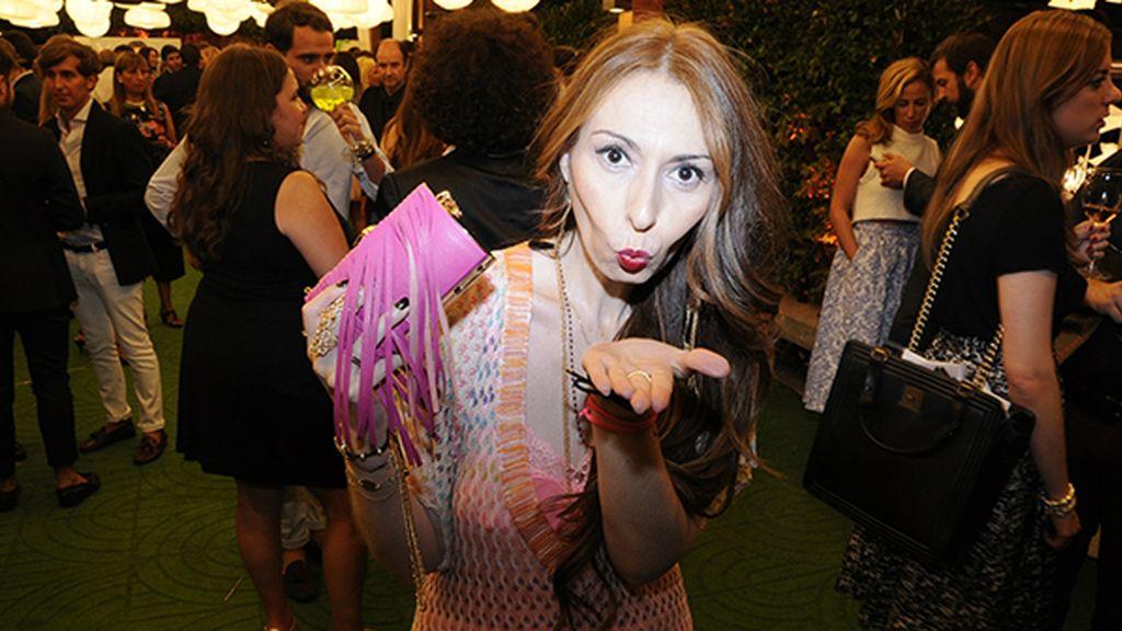 Jana Glamurama, recién llegada de Los Ángeles, no quiso perderse la fiesta y apareció con este vestido de Missoni