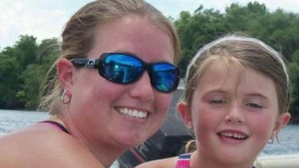 Un esturión salta dentro de un barco y mata a Jaylon Rippy, de cinco años
