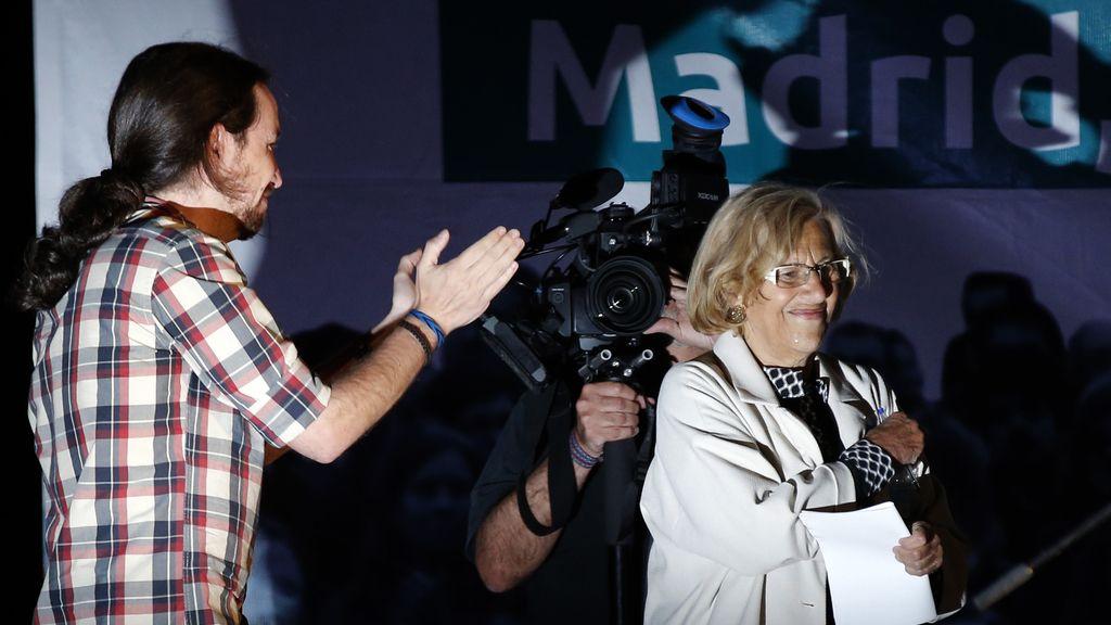 Pablo Iglesias celebra los buenos resultados en Madrid con Manuela  Carmena
