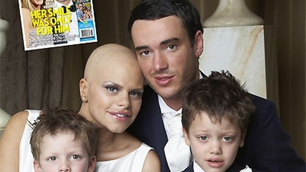 Jade junto a sus dos hijos y su marido Jack