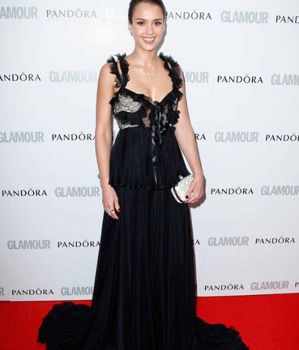 Sofía Vergara y Jessica Alba, glamour en rojo y negro en Londres