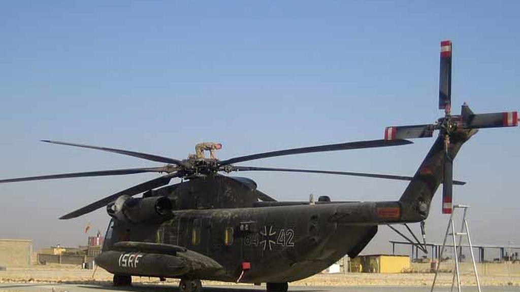 Un helicóptero de la ISAF