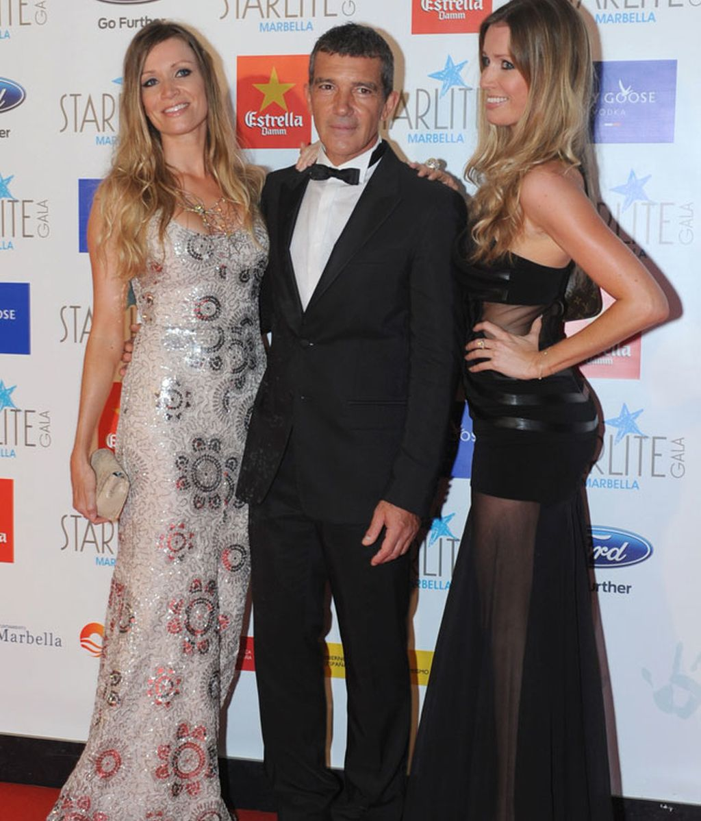 Antonio Banderas posó con su novia y su cuñada, Bárbara Kimbel