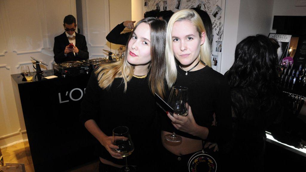 Lucía y Helena Cuesta fueron las últimas en abandonar la fiesta, que estuvo animadísima hasta el final
